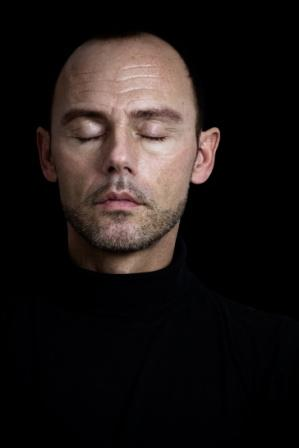 man doing mindfulness meditation Glasgow in Scotland