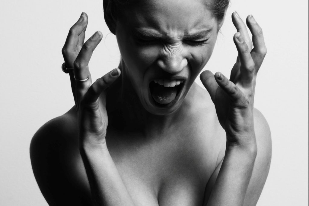 picture of an angry woman on anger management course page
